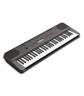 Foto teclado Yamaha PSR E360 de frente e em três quartos